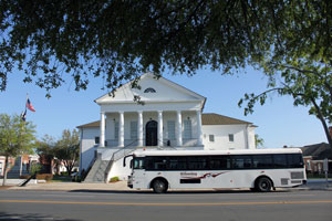 WCTS Bus at Kingstree Courthouse